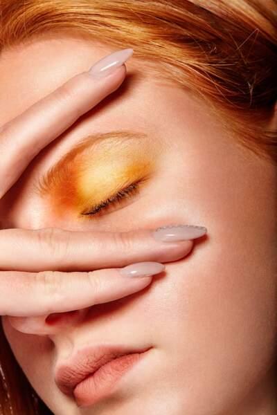 Un camaïeu d'orange irisé pour illuminer le regard