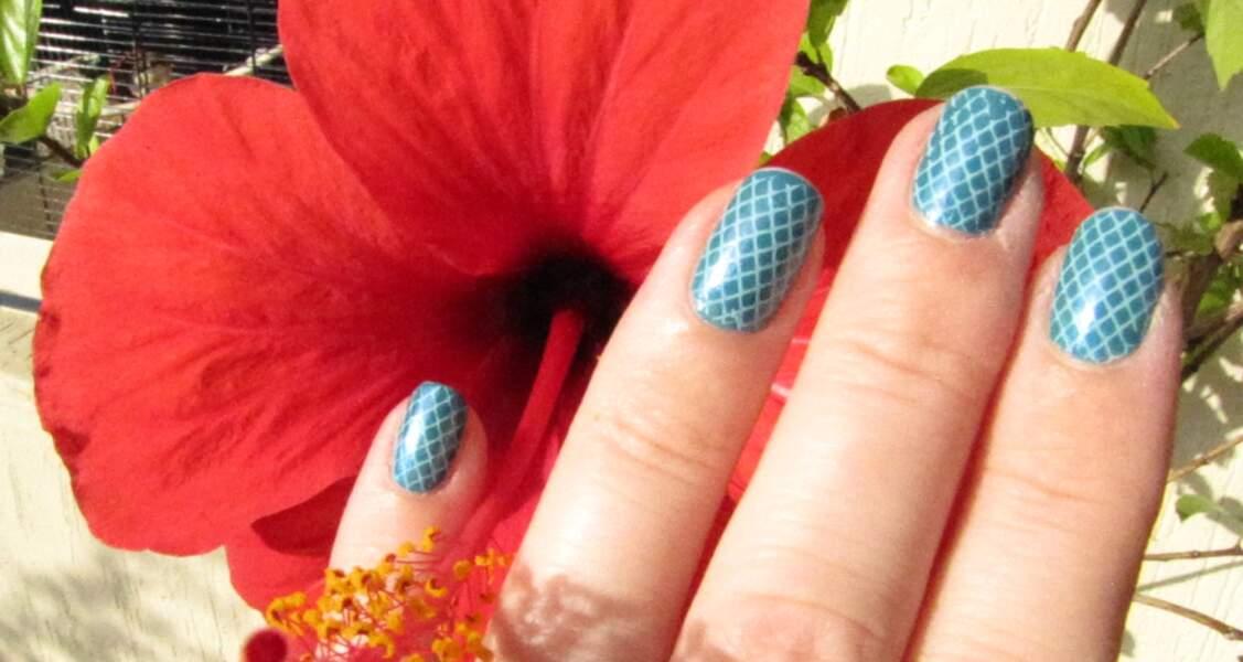 7e place pour le nail art cadrillé