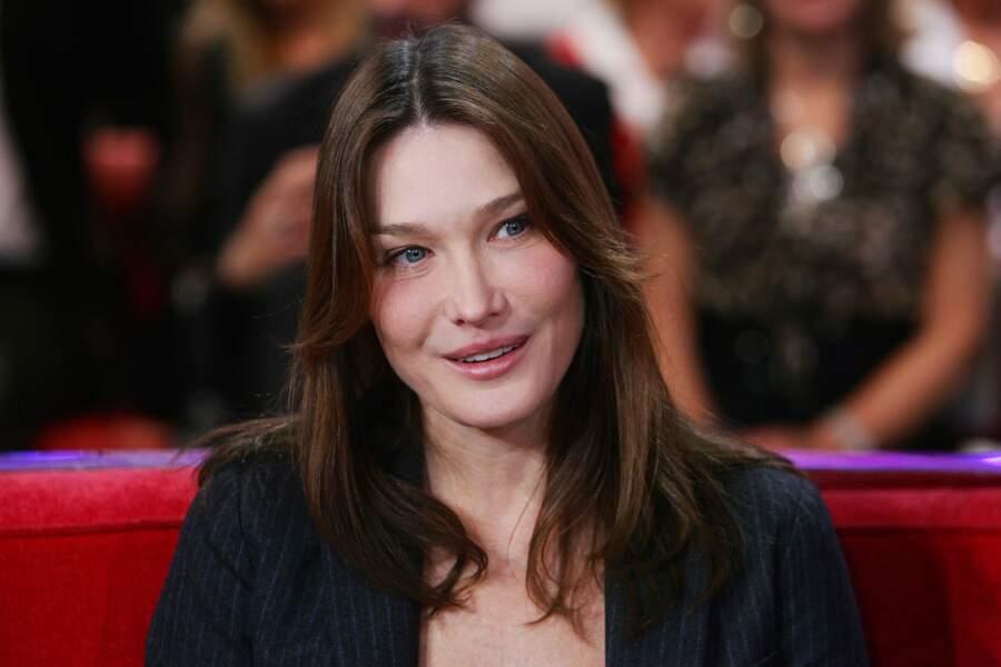 Carla Bruni très légèrement maquillée en 2011