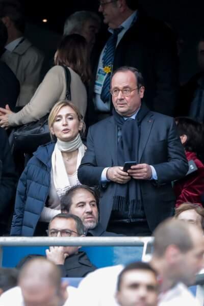 François Hollande et Julie Gayet en amoureux au Stade de France