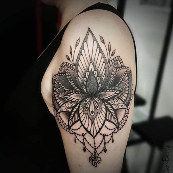 Le tatouage lotus