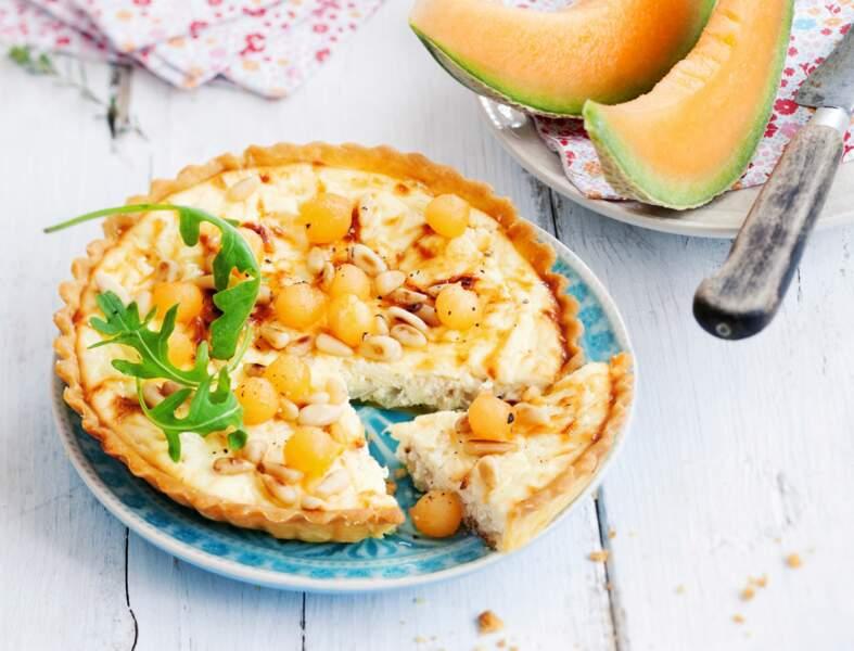 Tarte ricotta-chèvre, billes de melon et pignons de pin