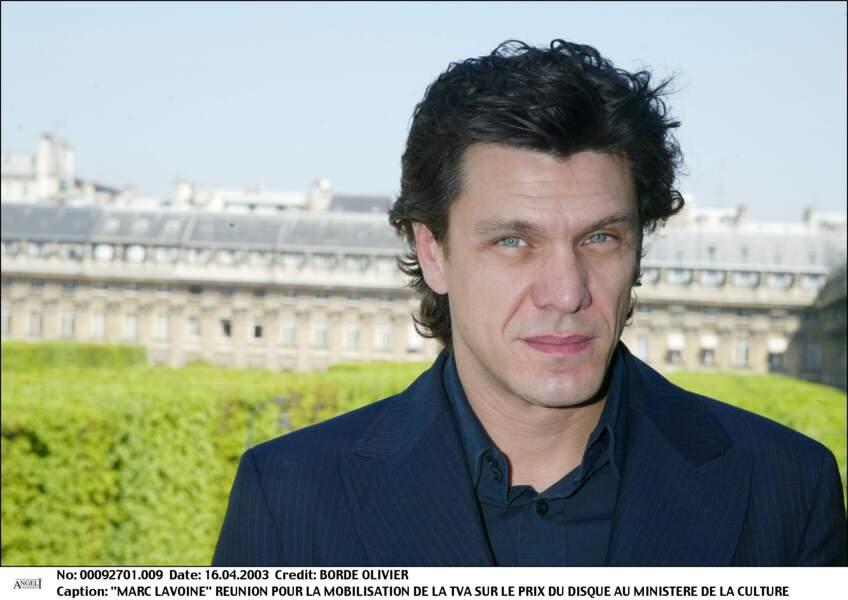 Marc Lavoine au ministère de la culture pour la mobilisation de la TVA sur le prix du disque en 2003.