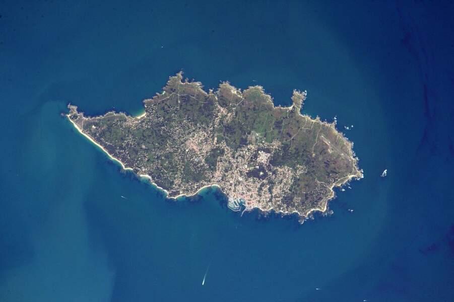 Décidément, l'astronaute normand aime aussi la Bretagne : l'île d'Yeu, au sud du Finistère