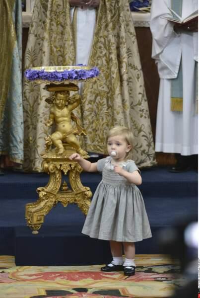 La petite Leonore, sage comme une image...