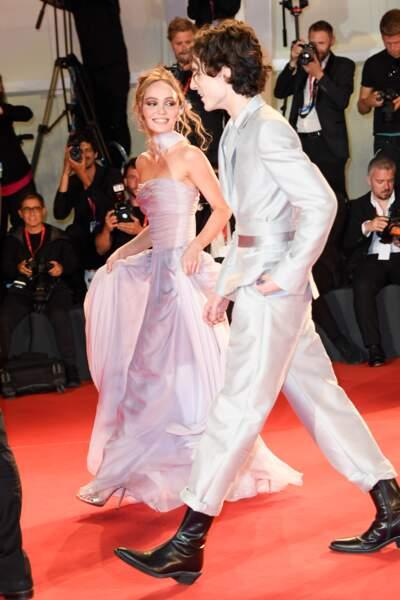 Lily-Rose Depp irrésistible à la Mostra de Venise aux côtés de Timothée Chalamet