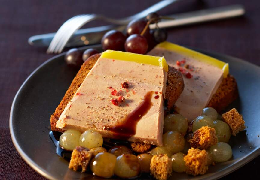 Toasts de foie gras épicés aux deux raisins