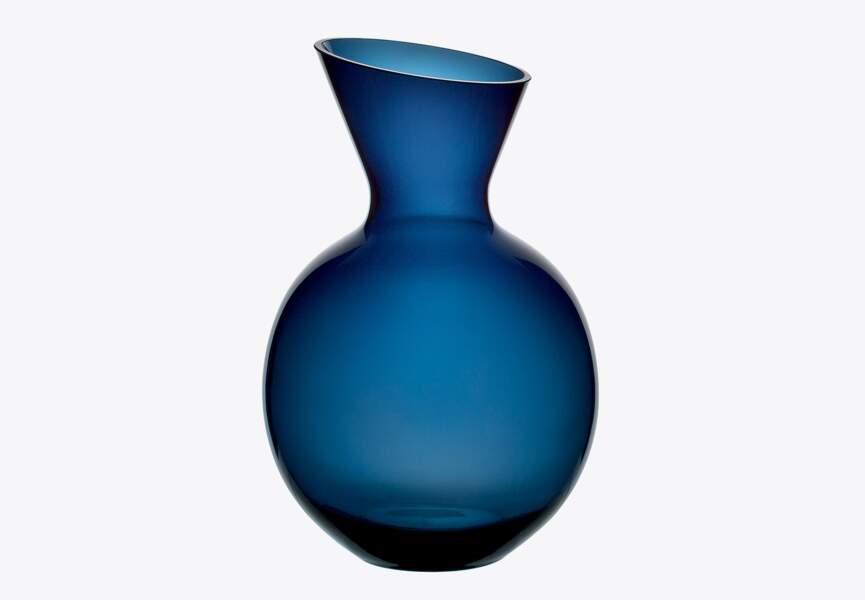 Vase galbé