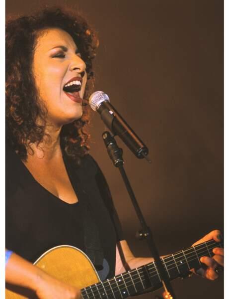 Marianne James sur scène en 1999
