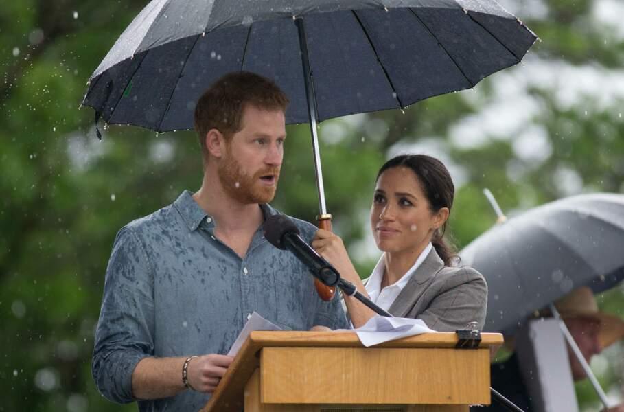 Le prince Harry sous le regard admiratif de Meghan Markle à Victoria en Australie, le 17 octobre 2018