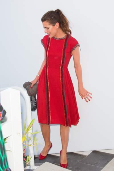 Charlotte Casiraghi, sublime en rouge pour le dîner Vanity Fair