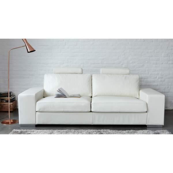 Canapé blanc aux lignes épurées