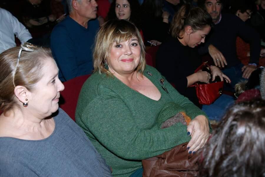 """Michèle Bernier dans le public pour assister au spectacle de Fred Testot """"Presque seul"""" en 2017."""