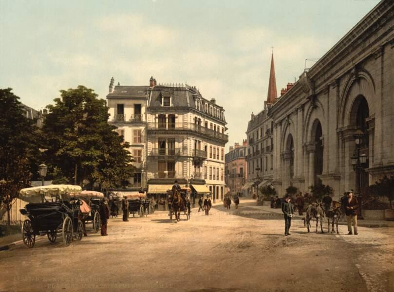 La place de l'Établissement thermal d'Aix-les-Bains, devenue place des Thermes