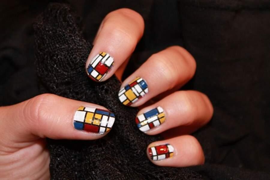 Nail Art façon Mondrian