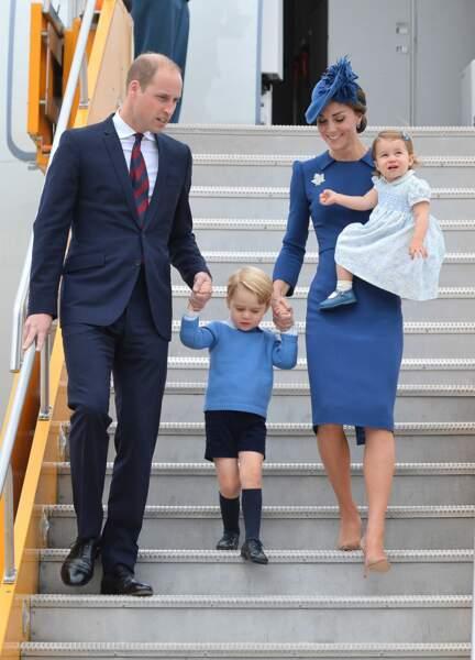 Et une nouvelle fois au Canada, toujours du bleu clair pour la fille et du bleu foncé pour la mère