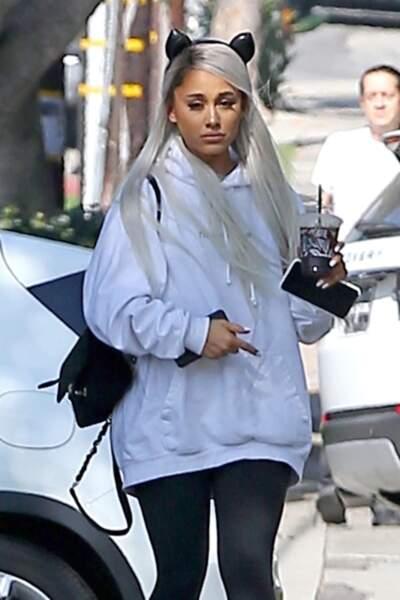 Ariana Grande porte elle aussi la couleur la plus tendance de la rentrée