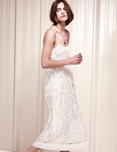 Robe blanche : dentelle