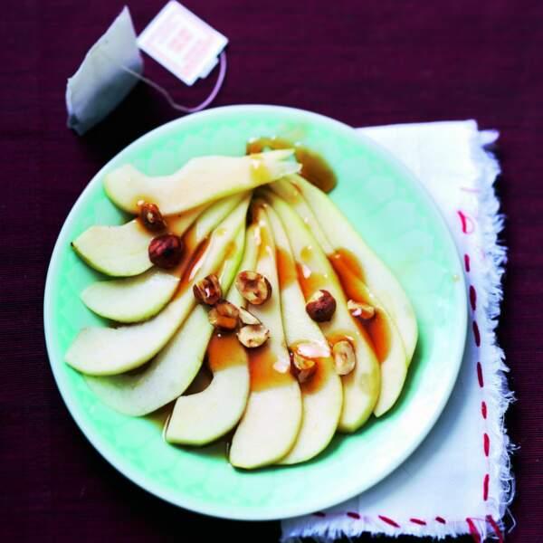 Carpaccio de poires au thé vert, miel et noisettes