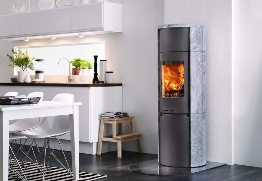 Nos poêles et radiateurs pour l'hiver : le poêle pour un chauffage au long cours