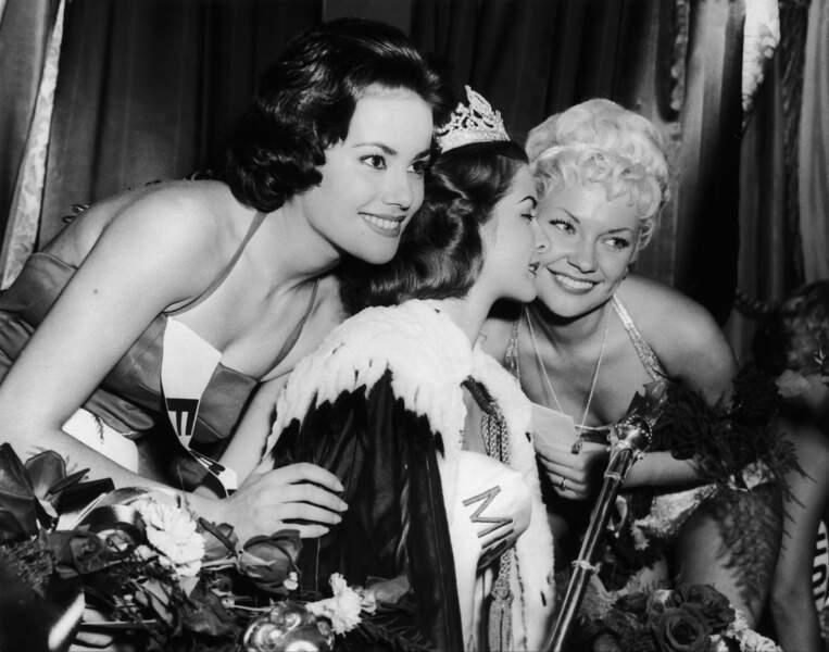 Claudine Auger première dauphine de Miss Monde 1958