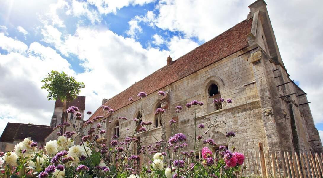 Avec son jardin médiéval de la Maladrerie Saint-Lazare, Beauvais (Oise) passe à 4 fleurs.