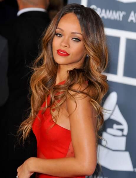Un rouge flamboyant comme Rihanna