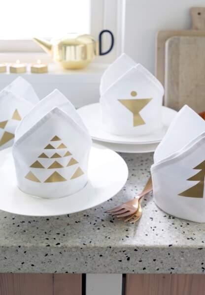 Une déco de Noël pastel en papier : les serviettes précieuces