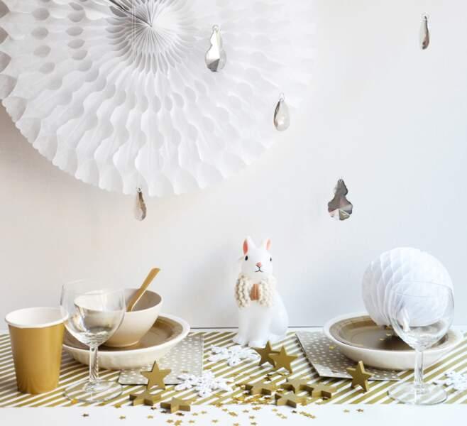 Une table de Noël blanc & or