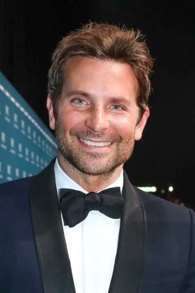 Brushing ultra lisse et court pour Bradley Cooper