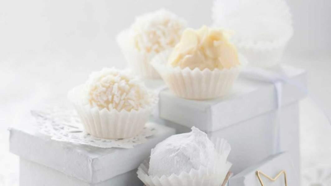 Truffes chocolat blanc-coco de Noël