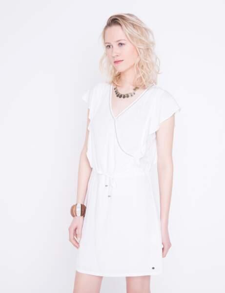 Robe de saison : blanc chic