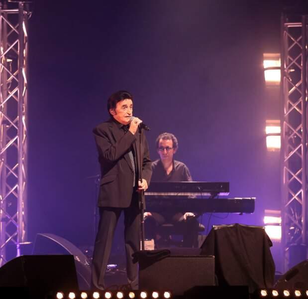 Dick Rivers en concert au théâtre du Casino Barrière, à Lille, le 25 mai 2013.