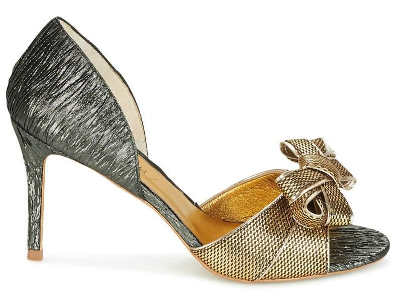 Chaussures de soirée : les sandales à gros noeud