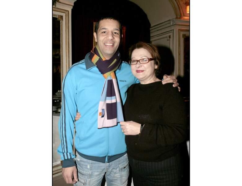 En 2006, elle pose au côté de Cartouche : l'actrice a 56 ans