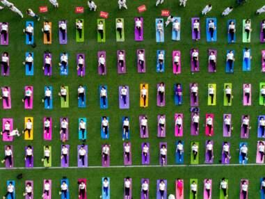 Les photos spectaculaires du Yoga Day en Chine