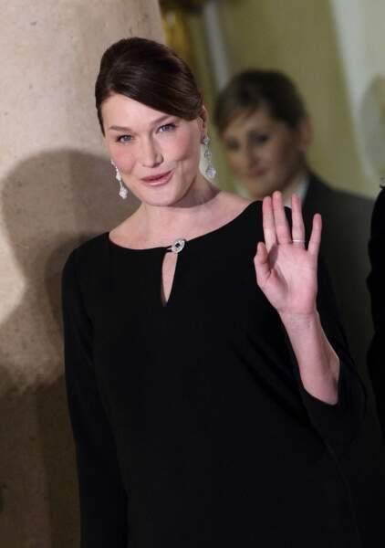 En 2012 avec un chignon lustré