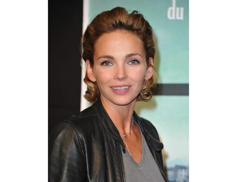 En 2012, elle opte pour les cheveux gominés effet wet