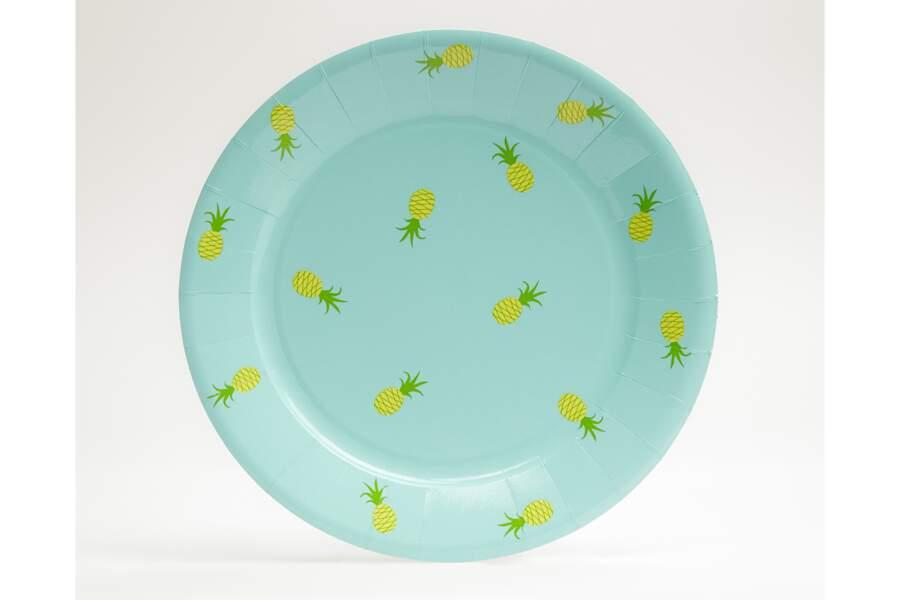 Des assiettes en carton ananas