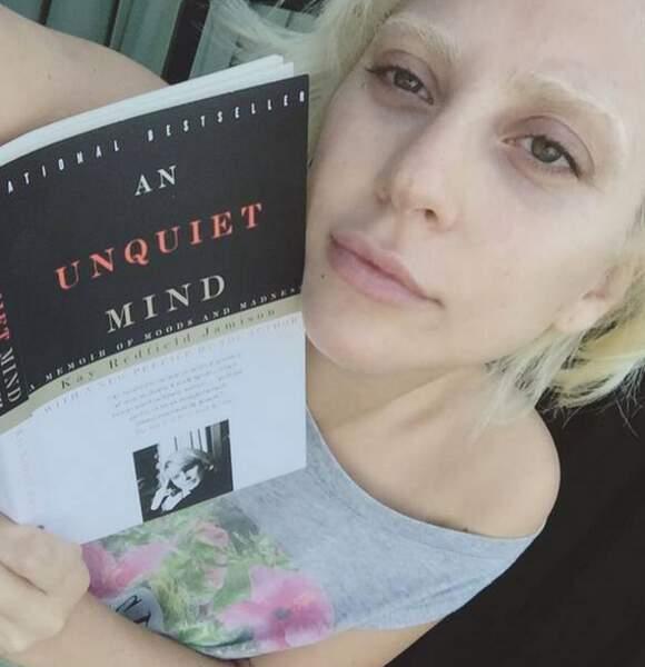 Lady Gaga se la joue intellectuelle
