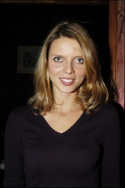 En 2004 elle tente un blond légèrement plus foncé