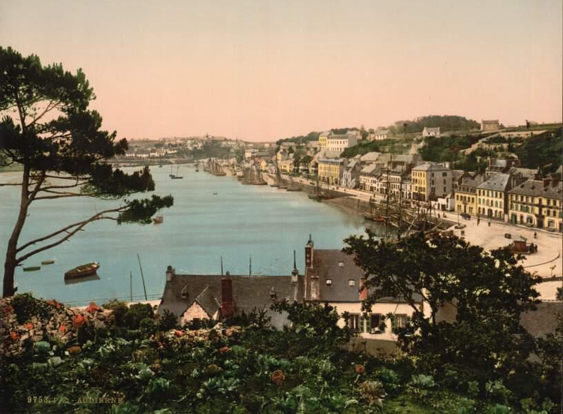 Le port d'Audierne, dans le Finistère
