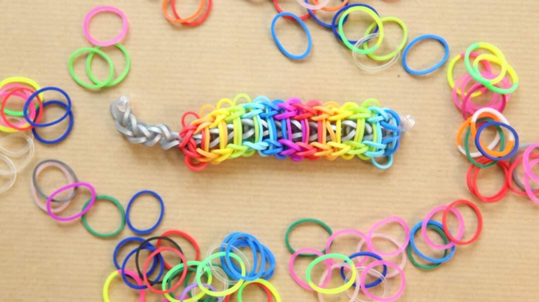 Bracelet élastique Rainbow Loom : l'échelle arc-en-ciel