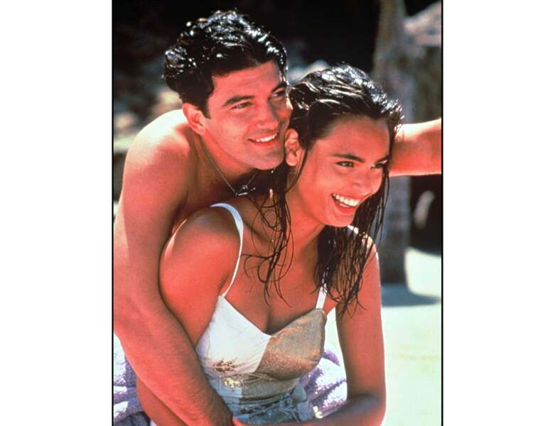 "Il enlace Talisa Soto dans le film ""The mambo kings"" : il a alors 32 ans (1992)"