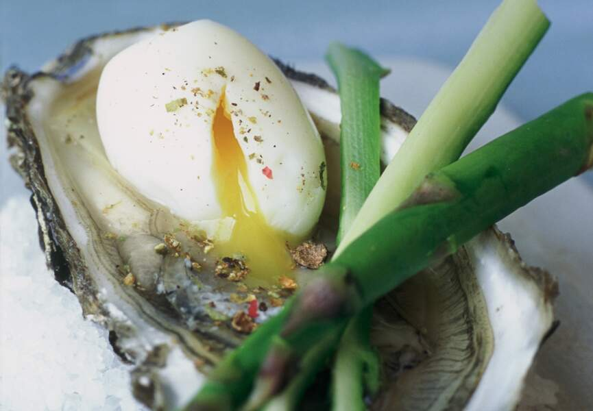 Huîtres et œufs de caille aux asperges