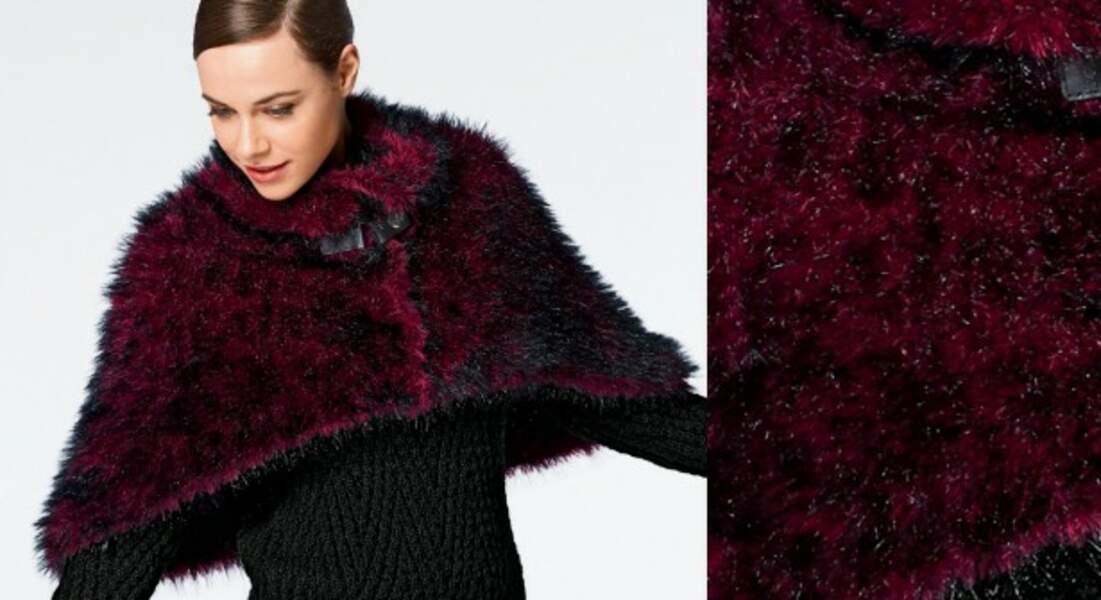 La cape courte tricotée