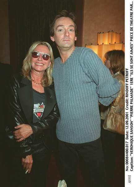 """Véronique Sanson et Pierre Palmade à la première de la pièce """"Ils se sont aimés"""" le 12 septembre 2001."""