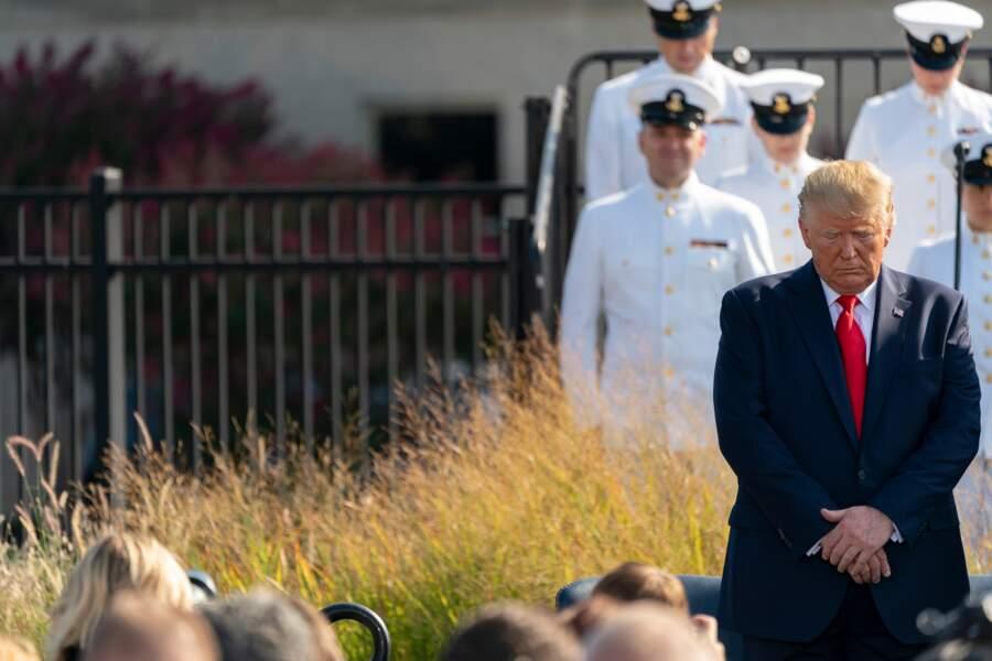 ... le 11 septembre 2001. Donald Trump s'est également rendu à Arlington..