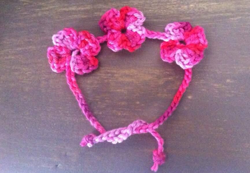 Un bracelet guirlande de fleurs