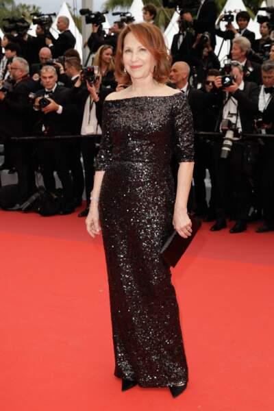 Nathalie Baye, la maman de Laura Smet, a fait preuve d'une classe folle en robe noire